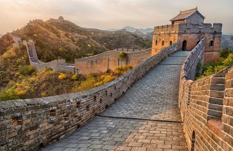 夕日に映える万里の長城