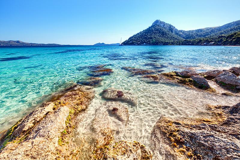 スペイン・マヨルカ島の透明な海