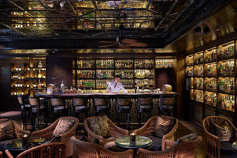 マンダリン オリエンタル バンコク「ザ バンブー バー」のコロニアルスタイルの内装