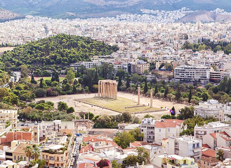 ギリシャ アテネの古代遺跡と周辺に広がる街並み
