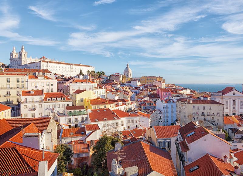 大西洋を望むリズボンの美しい街並み