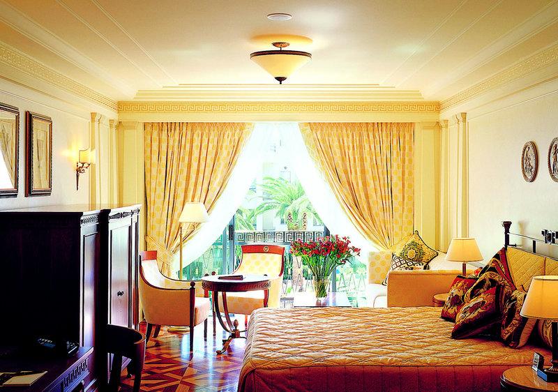 パラッツォヴェルサーチゴールドコーストの上品な客室デザイン