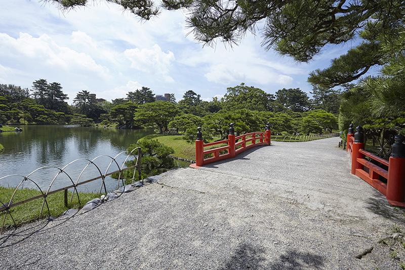今年おすすめの日本の絶景紅葉名所8選 - 香川・栗林公園
