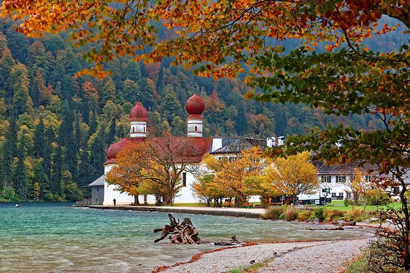この秋絶対に訪れたい世界の紅葉名所10選 - ケーニヒス湖、ドイツ・ミュンヘン