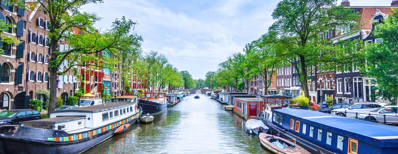 アムステルダムのレンタカー