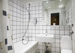 ファースト ホテル アトランティック - オールフス - 浴室