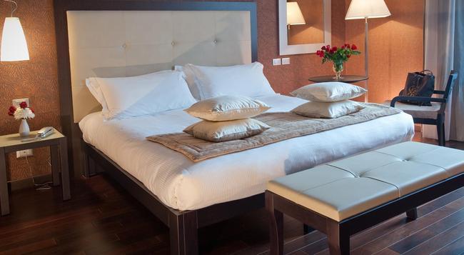 ホテル フィウメ - ローマ - 寝室