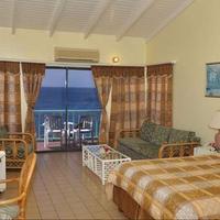 Bird Rock Beach Hotel Guest room