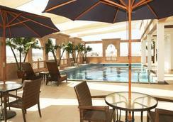 Platinum Hotel - マスカット - プール