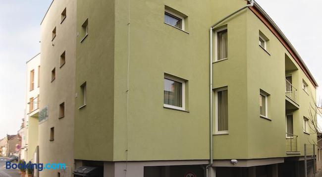ペンジオン ベリル - Kosice - 建物