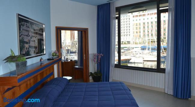 ホテル トランスアトランティコ - ナポリ - 寝室