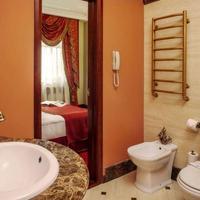 Staro Hotel bathroom guest room