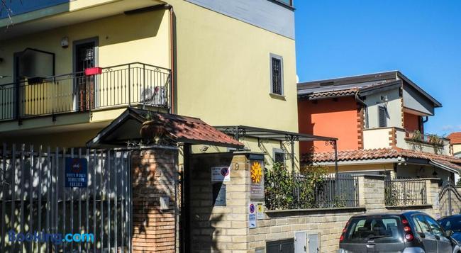 Sole - ローマ - 建物
