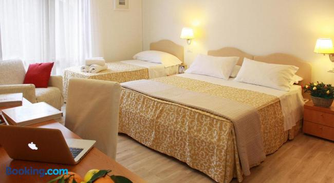 レジデンツァ ジャコムッツィ - ヴェネチア - 寝室