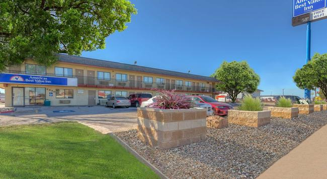 Americas Best Value Inn Amarillo Airport/Grand Street - アマリロ - 建物