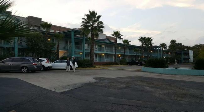 Stay Express Inn Near Ft. Sam Houston - サンアントニオ - 建物