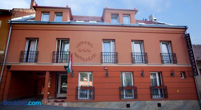 Hotel Barbakán - Pecs - 建物