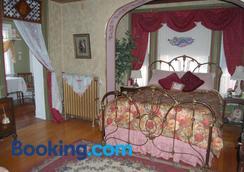 Schuster Mansion Bed & Breakfast - ミルウォーキー - 寝室