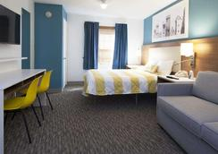 Intown Suites Newport News City Center - Newport News - 寝室