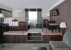 コースト レスブリッジ ホテル&カンファレンス センター - Lethbridge - 寝室