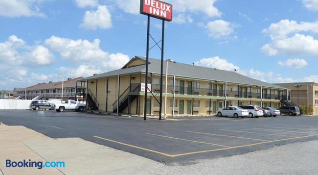 Delux Inn Tulsa - タルサ - 建物