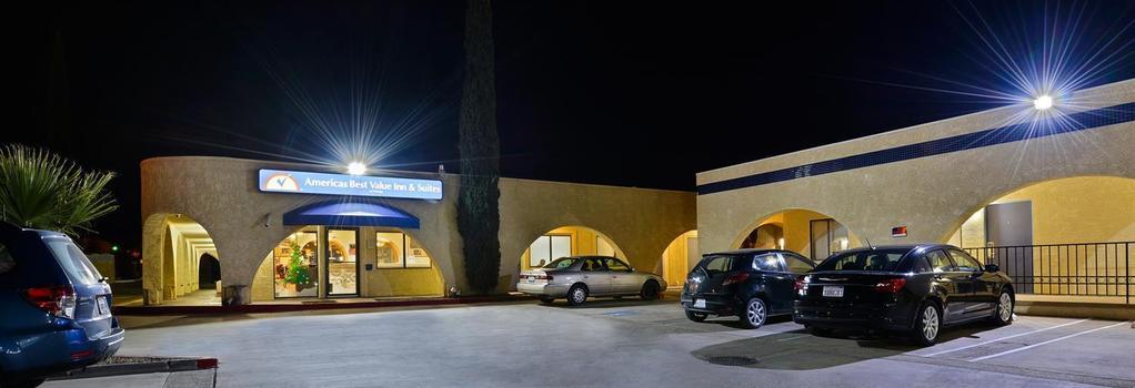Americas Best Value Inn & Suites - Joshua Tree National Park - Yucca Valley - 建物