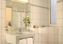 シティ パートナー ホテル シュトラウス - ヴュルツブルク - 浴室
