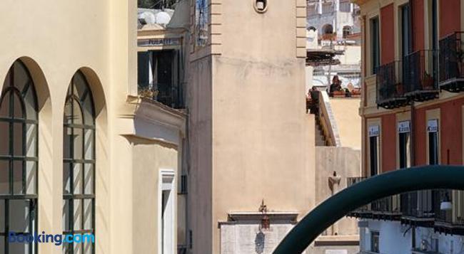 アフィッタカメレ カプリ ドルチェ ヴィータ - Capri - 建物