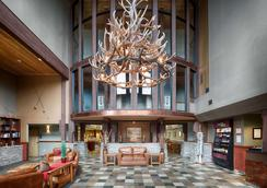 レッド ライオン ホテル カリスペル - カリスペル - ロビー