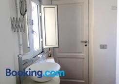 ルレ ピアッツァ デイ マルティリ - ナポリ - 浴室