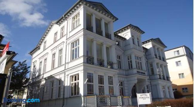 Hotel Fortuna - ゼーバート・ヘリングスドルフ - 建物