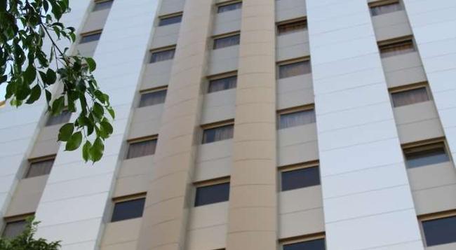 Grand Hotel Beirut - ベイルート - 建物