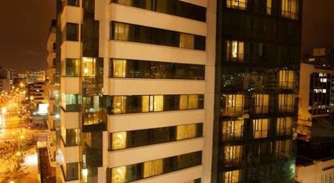 Rio Amazonas Hotel - キト - 建物