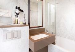 オテル デュ ボワ シャンゼリゼ - パリ - 浴室