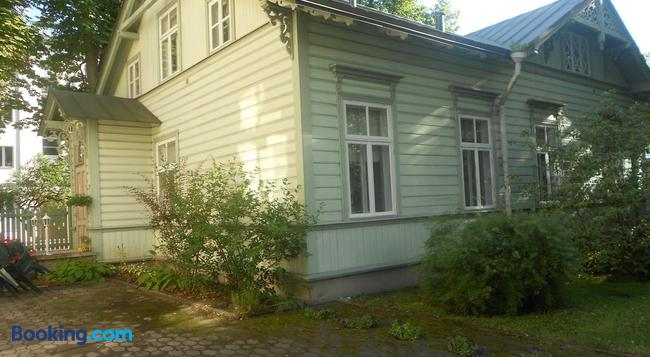 Poska Villa Guesthouse - タリン - 建物
