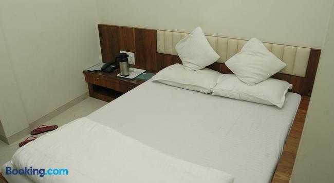 ホテル コーズウェイ - ムンバイ - 寝室