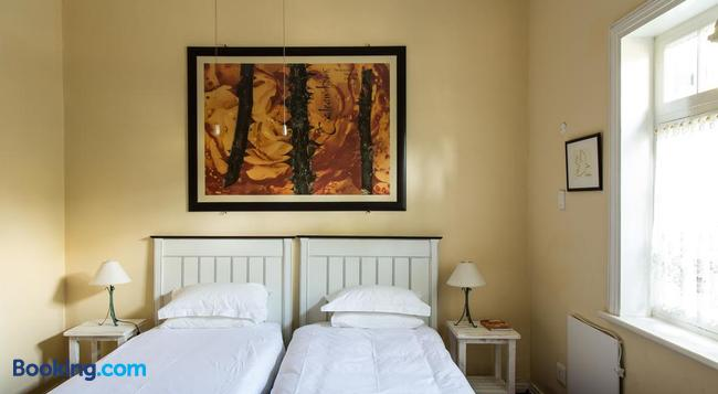 22 Van Wijk Street Tourist Accommodation - フランシュホーク - 寝室