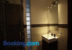 ローマニ - ローマ - 浴室