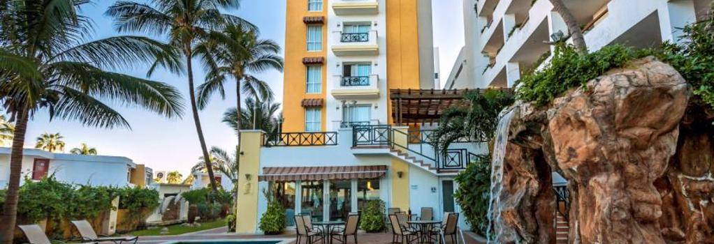 Best Western Hotel Posada Freeman Zona Dorada - マサトラン - 建物