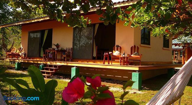 Fidelito Ranch & Lodge - Tambor - 建物