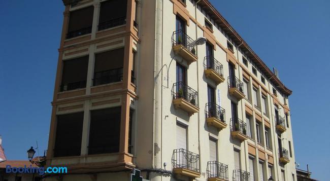 Pensión Sandoval - レオン - 建物