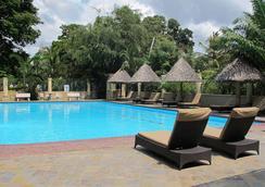 Colosseum Hotel & Fitness Club - Dar Es Salaam - プール
