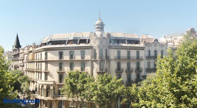 ソム ニット トゥリオンフ - バルセロナ - 建物