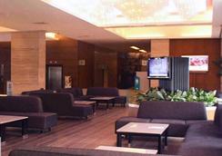 レミントン ホテル - Pasay - ラウンジ