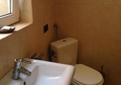 La Vila Maria - ブカレスト - 浴室