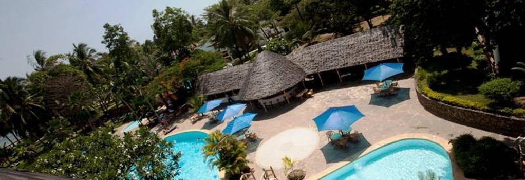 トラベラーズ ビーチ ホテル - モンバサ - プール