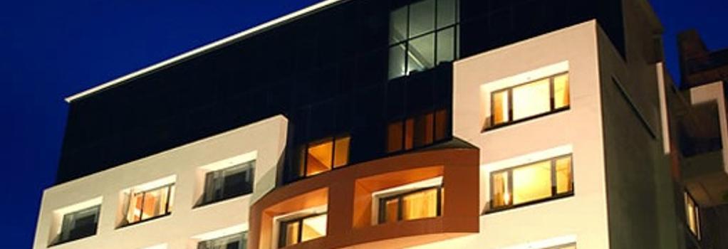 Hotel Eefa - Belgaum - 建物