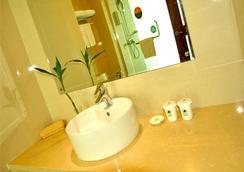 Greentree Inn Zhejiang Zhoushan Xincheng Business Hotel - Zhoushan - 浴室