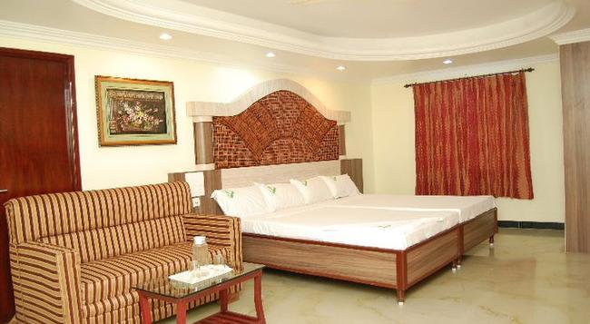 Shri Perumal Inn - Puducherry - 寝室