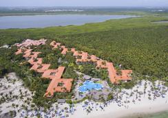 Natura Park Beach Eco Resort & Spa - Punta Cana - 建物
